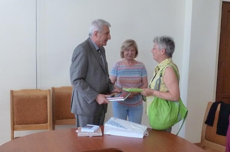 Örmény könyvtár igazgatóval