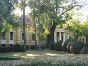 A Dungyerszki  kastély parkja  ma is nyugalmat áraszt (Foto:  Tolnai)