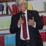 Prof. Dr.Szakály Sándor  nyitó_előadását tartja