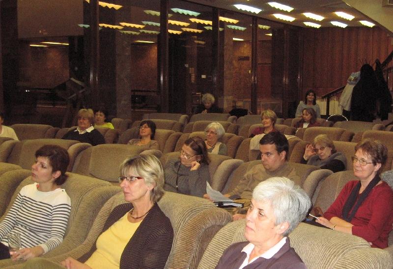 A taggyűlés résztvevői