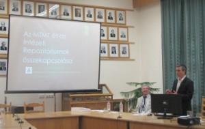 Szluka Péter előadását tartja