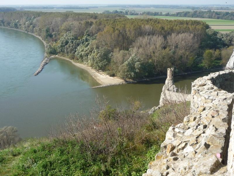 Látkép a Dunára a várból foto:Tolnai