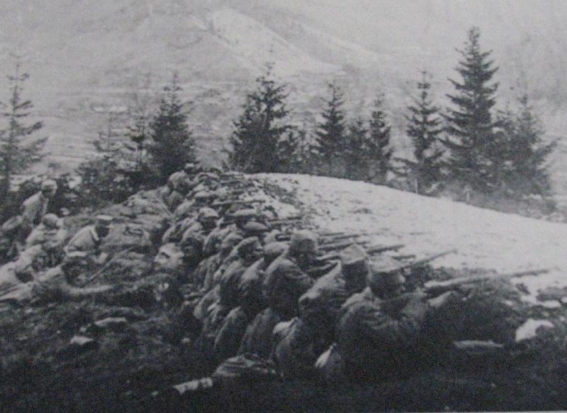 Katonáink a havas tűzvonalban