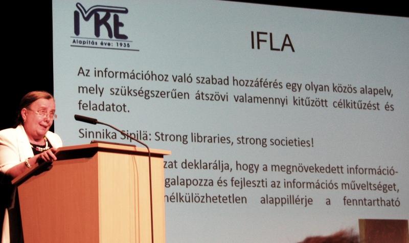Baráthné, dr.Hajdu Ágnes megnyitja a Vándorgyűlést
