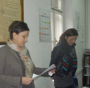 Ismet Ovicina igazgató asszony ismerteti a Könyvtár történetét