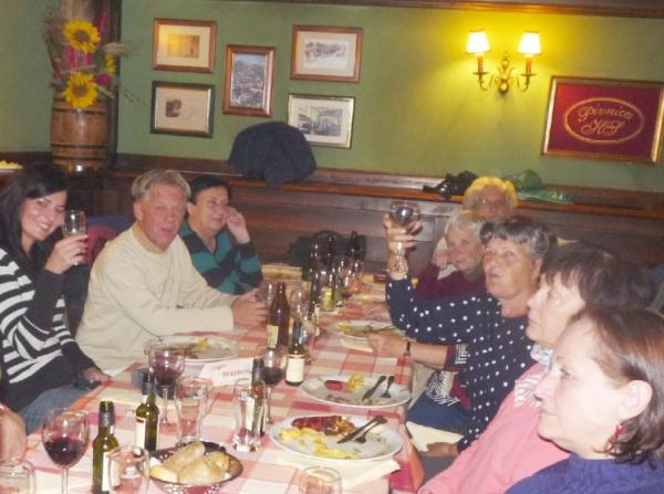 remek hangulatban fogyasztottuk el közös vacsoránkat a sörgyári étteremben