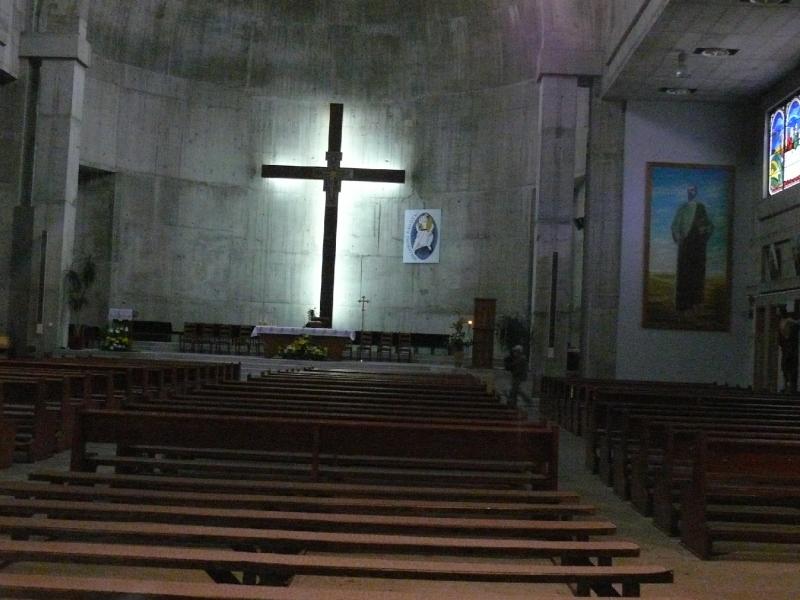 Az újjáépített Ferences Templomban, Mosztárban.