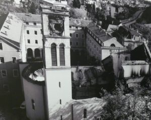 A lerombolt templom
