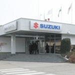 1-szuzuki03_gyarbejarat1_400