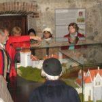 A gotikus Vár és a Szent Adalbert székesegyház makettjei