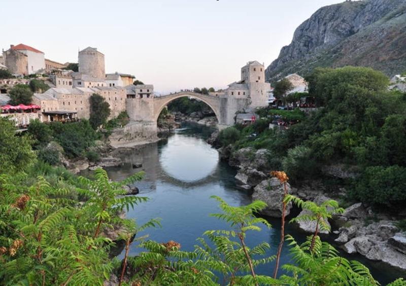 A híres hid Mostárban (foto Unesco)