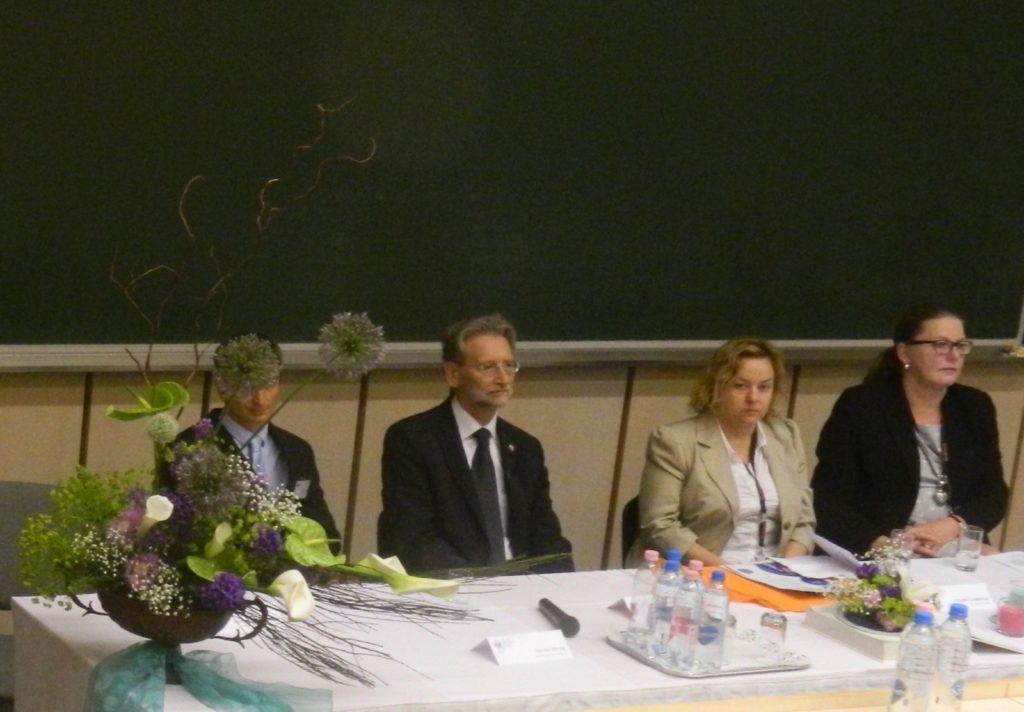 A konferencia elnöksége Szluka Péter, Dr.Bagdy György, Szalóky Gabriella és Dr.Páva Hanna