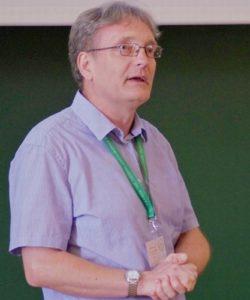 Szendi Attila főigazgató előadását tartja