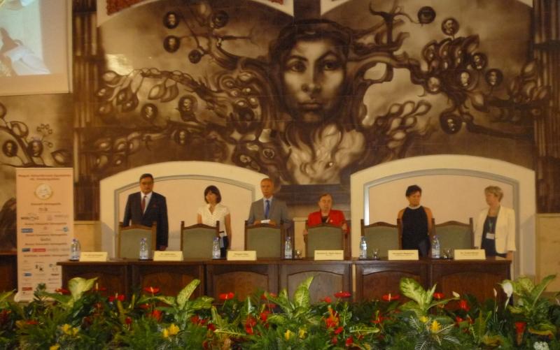 A megnyitó elnöksége