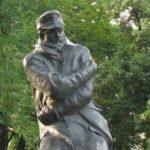 Gyóni Géza szobra Sopronban