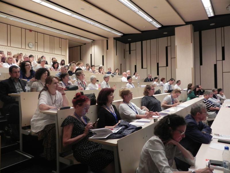 A konferencia hallgatzósáűga