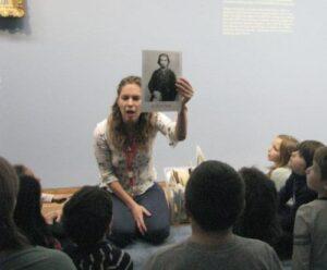 Osztrák kisdiákok a Monet kiállításon